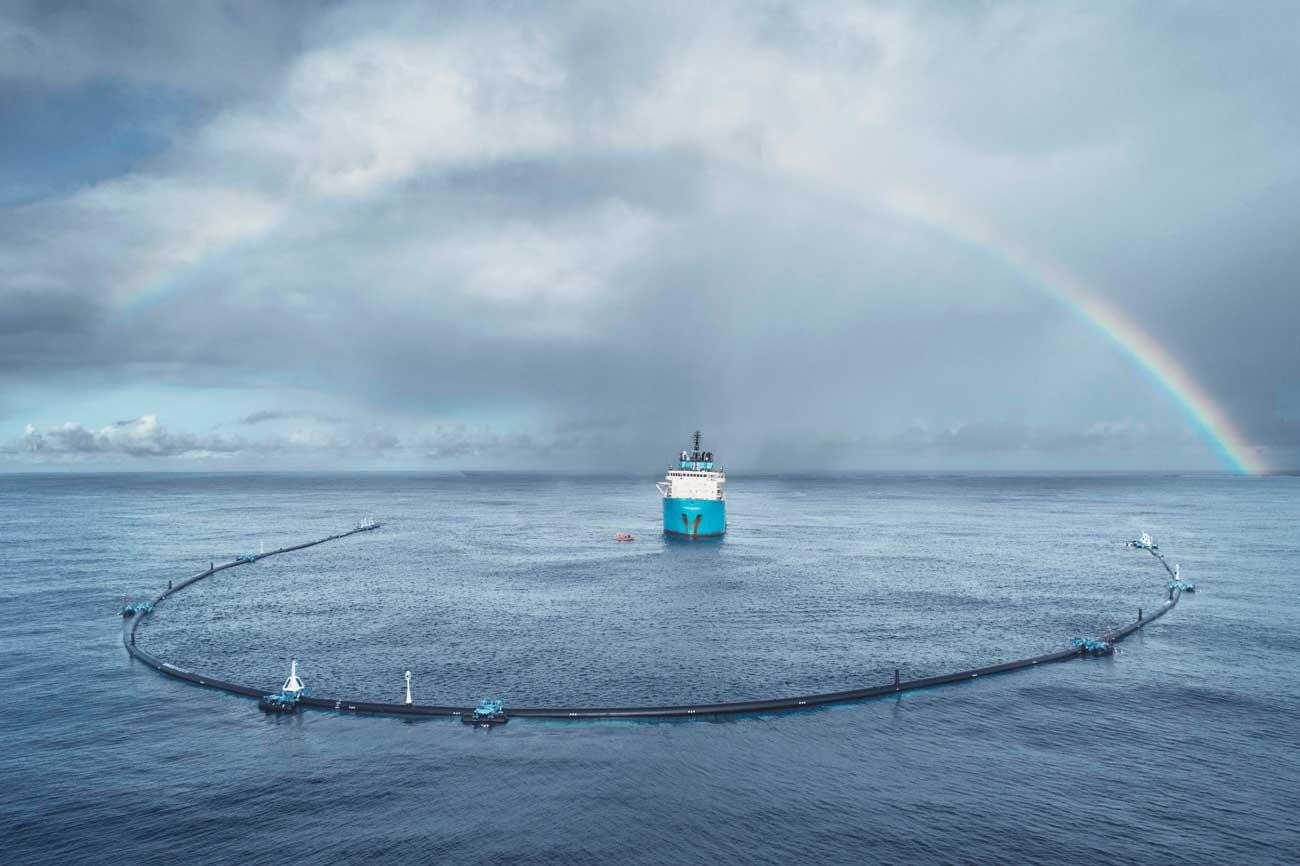 Plastik-Problem bekämpfen mit Fangnetzen, die Plastik aus dem Meer fischen