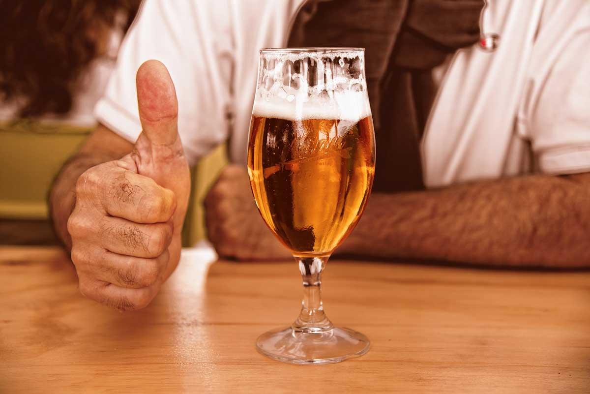 Recycling von Bier der etwas anderen Art (Bild von Bierglas)